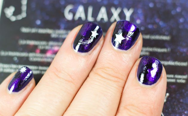 rare-nails-galaxy-nail-art